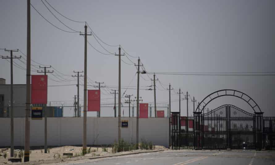 Uważa się, że w obozach koncentracyjnych w Xinjiangu przetrzymywanych jest nawet milion Ujgurów.