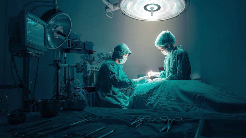 """""""Tragiczny błąd"""": Szpitalna amputacja nogi pacjenta – należy teraz usunąć prawą kończynę"""