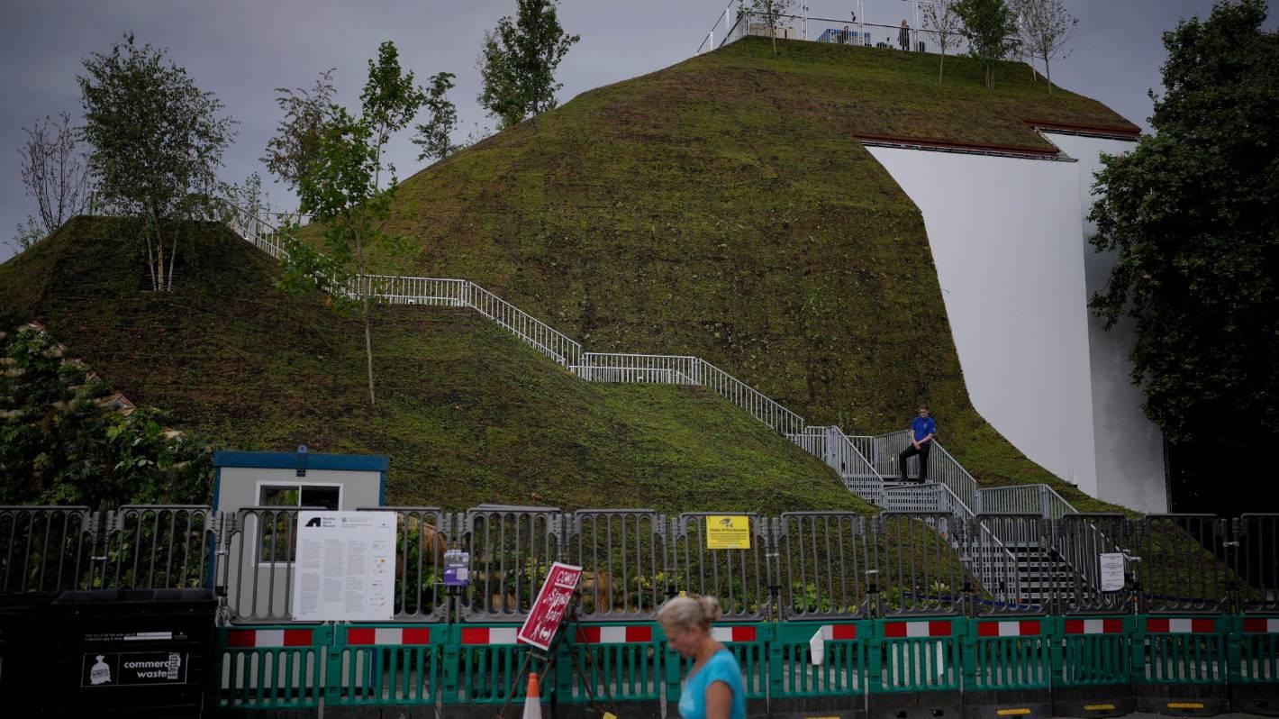 """Marble Arch Mound: """"najgorsza atrakcja"""" Londynu ponownie otwiera się i jest teraz bezpłatna"""