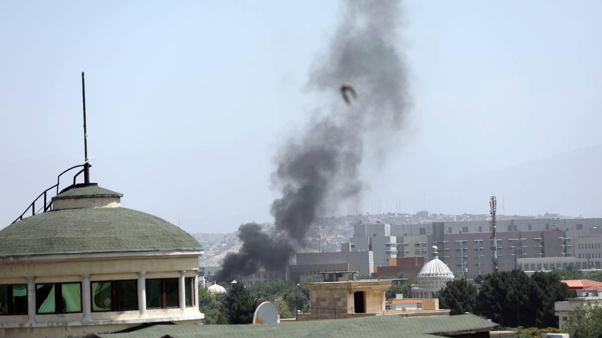 Upadek Afganistanu: Talibowie dążą do bezwarunkowej kapitulacji w pałacu