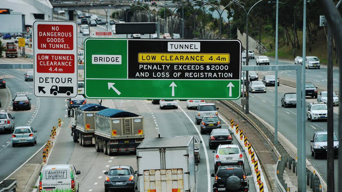 Dochodzenie parlamentarne NSW usłyszało, że samotna matka w Sydney zostaje obciążona 31 000 USD za nieopłaconą opłatę za przejazd
