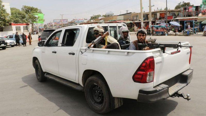 """Talibowie ogłaszają zwycięstwo nad ostatnimi twierdzami, teraz """"kontrolują cały Afganistan"""""""