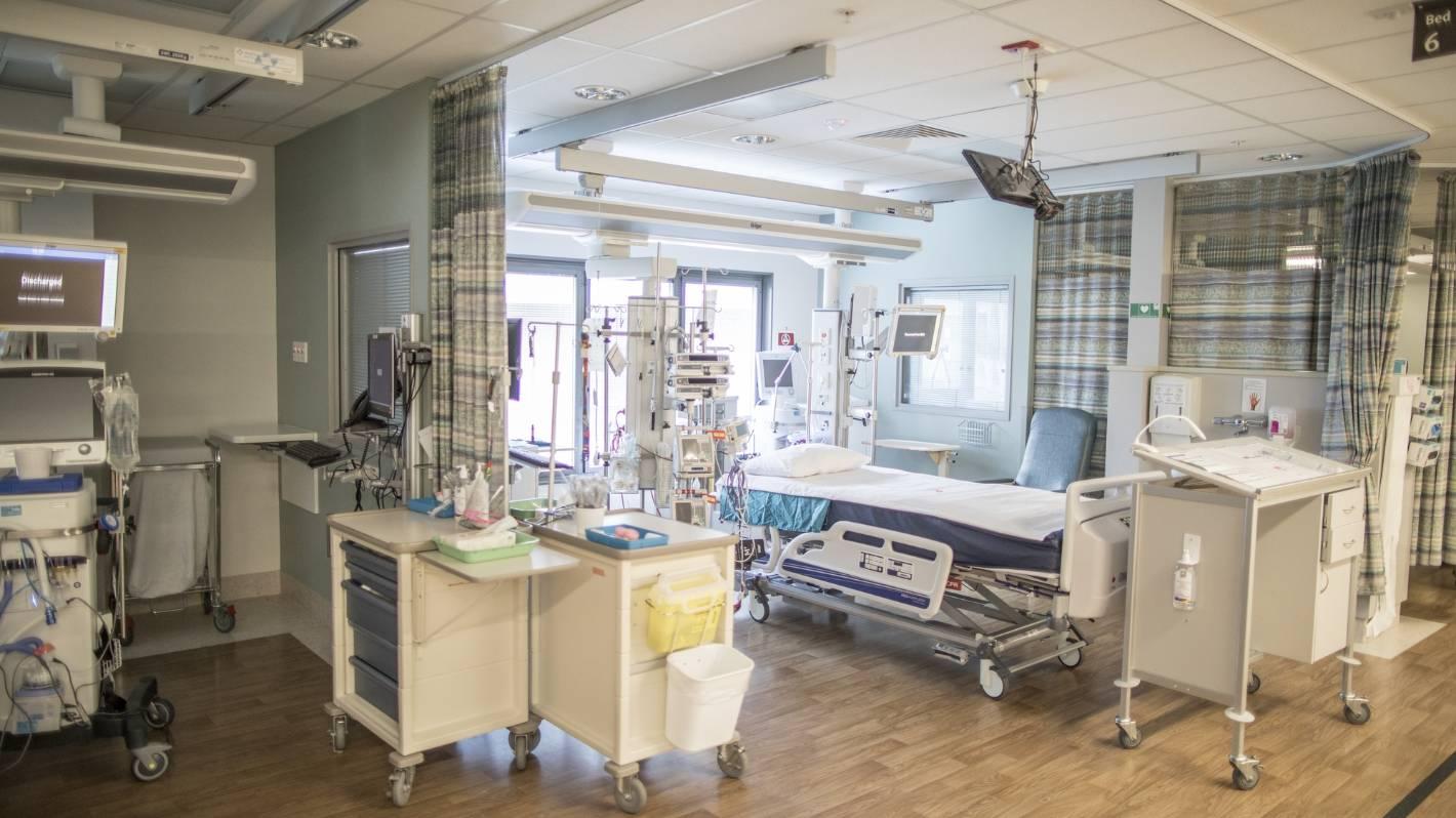 Eksperci twierdzą, że plan ICU nie zadziała w przypadku endemicznego Covid-19 z powodu niedoborów personelu