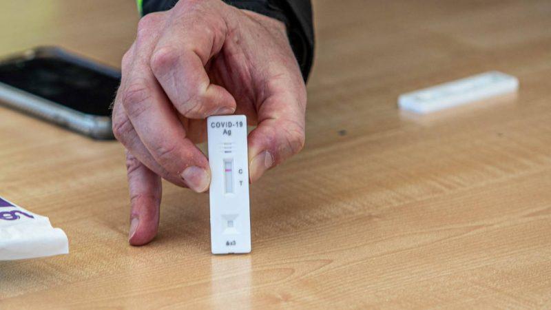 Szczegóły: Co to jest szybki test antygenowy i w jaki sposób pomoże w planie Covid firmy Aotearoa?